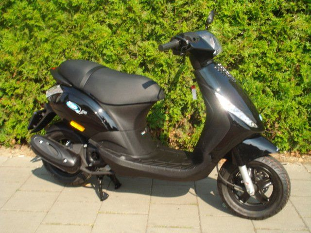 piaggio zip 4 takt euro 4 i get verkroost scooters. Black Bedroom Furniture Sets. Home Design Ideas